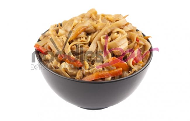 Thai Noodles cu Pui si Legume 350gr